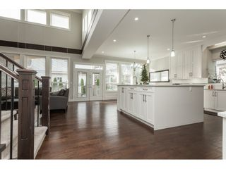 Photo 5: 5419 189A Street in Surrey: Cloverdale BC House for sale (Cloverdale)  : MLS®# R2420375