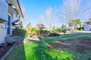 Photo 3: 6345 SUNDANCE Drive in Surrey: Cloverdale BC House for sale (Cloverdale)  : MLS®# R2037775