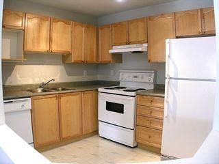 """Photo 2: 303 33478 ROBERTS Avenue in Abbotsford: Central Abbotsford Condo for sale in """"Aspen Creek"""" : MLS®# F2715413"""