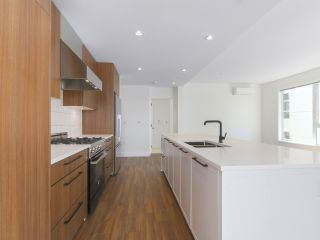 """Photo 10: 307 6933 CAMBIE Street in Vancouver: Cambie Condo for sale in """"MOSAIC CAMBRIA PARK"""" (Vancouver West)  : MLS®# R2379345"""