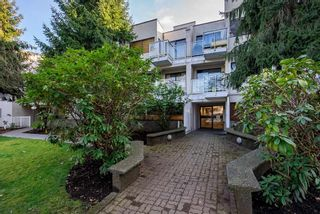 """Photo 1: 315 830 E 7TH Avenue in Vancouver: Mount Pleasant VE Condo for sale in """"The Fairfax"""" (Vancouver East)  : MLS®# R2540651"""