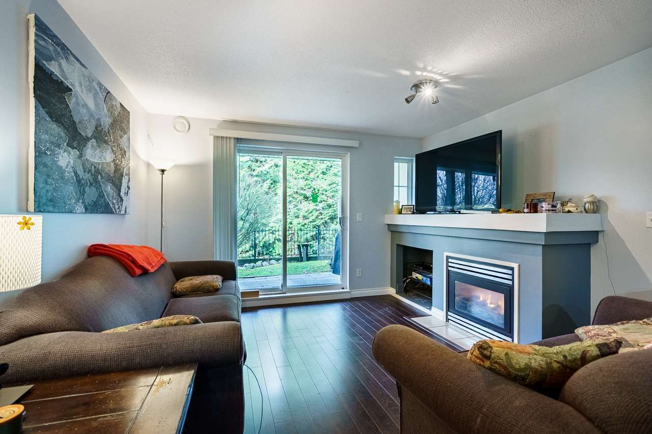 """Photo 4: Photos: 7 1561 BOOTH Avenue in Coquitlam: Maillardville Townhouse for sale in """"LE COURCELLES"""" : MLS®# R2537989"""