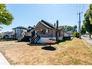 Photo 2: 2802 MCGILL STREET in Vancouver: Hastings Sunrise House for sale (Vancouver East)  : MLS®# R2602409