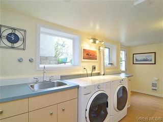 Photo 11: 966 Snowdrop Ave in VICTORIA: SW Marigold House for sale (Saanich West)  : MLS®# 638432