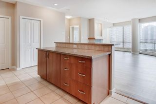 Photo 12: 2502 1078 6 Avenue SW in Calgary: Downtown West End Apartment for sale : MLS®# A1064133