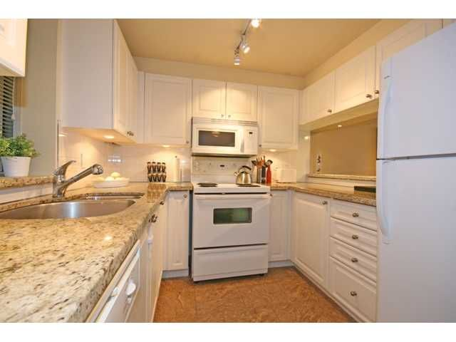"""Photo 3: Photos: 514 555 ABBOTT Street in Vancouver: Downtown VW Condo for sale in """"PARIS PLACE"""" (Vancouver West)  : MLS®# V890587"""