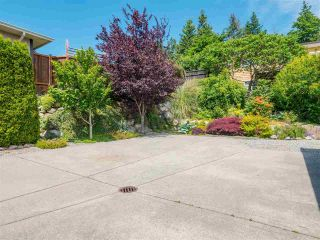 Photo 33: 6334 SAMRON Road in Sechelt: Sechelt District House for sale (Sunshine Coast)  : MLS®# R2589104