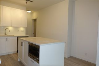 """Photo 3: 105 20673 78 Avenue in Langley: Willoughby Heights Condo for sale in """"Grayson"""" : MLS®# R2444196"""