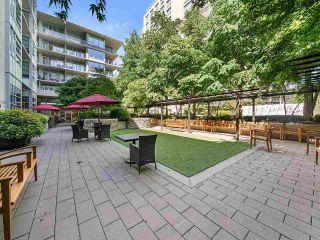 """Photo 4: 604 3382 WESBROOK Mall in Vancouver: University VW Condo for sale in """"Tapestry at Wesbrook Village UBC"""" (Vancouver West)  : MLS®# R2587445"""