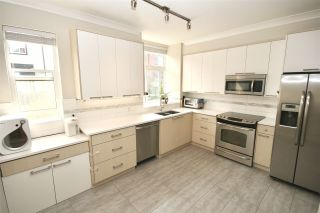"""Photo 5: 108 7533 GILLEY Avenue in Burnaby: Metrotown Townhouse for sale in """"Casa D'Oro"""" (Burnaby South)  : MLS®# R2329454"""