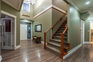 """Photo 4: 5800 167 Street in Surrey: Cloverdale BC House for sale in """"WESTSIDE TERRACE"""" (Cloverdale)  : MLS®# R2487432"""