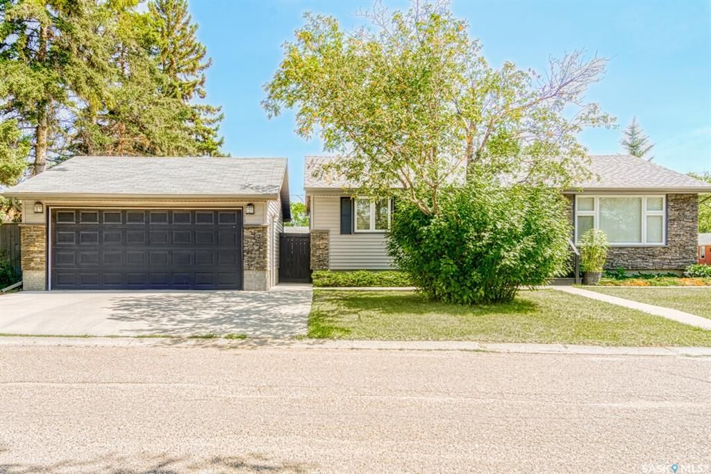 Main Photo: 3 Osler Place in Regina: Churchill Downs Residential for sale : MLS®# SK849115