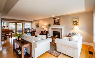 Photo 8: 15539 SEMIAHMOO AVENUE: White Rock House for sale (South Surrey White Rock)  : MLS®# R2554599