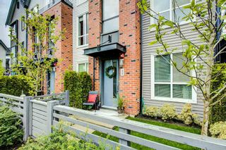"""Photo 1: 37 2325 RANGER Lane in Port Coquitlam: Riverwood Townhouse for sale in """"Freemont Blue"""" : MLS®# R2271071"""