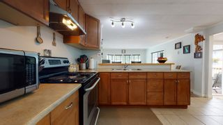 "Photo 13: 37 40157 GOVERNMENT Road in Squamish: Garibaldi Estates Manufactured Home for sale in ""Spiral Trailer Park"" : MLS®# R2608835"