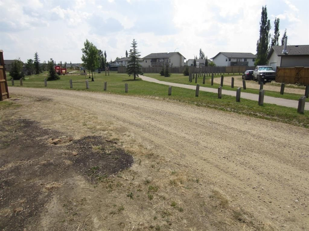 Main Photo: 8 Holbrook Place: Sylvan Lake Residential Land for sale : MLS®# A1117694