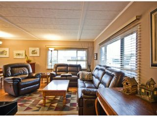 Photo 5: 31539 LOMBARD Avenue in Abbotsford: Poplar Manufactured Home for sale : MLS®# F1429021