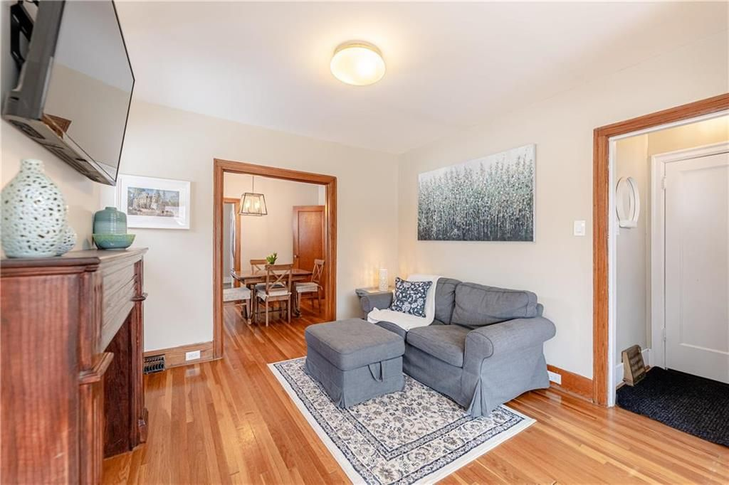 Photo 5: Photos: 292 Beaverbrook Street in Winnipeg: River Heights North Residential for sale (1C)  : MLS®# 202109631