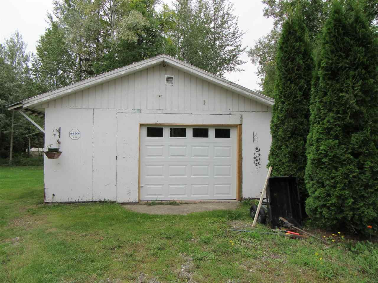 Photo 3: Photos: 4261 ARABIAN Road in Prince George: Emerald House for sale (PG City North (Zone 73))  : MLS®# R2404002