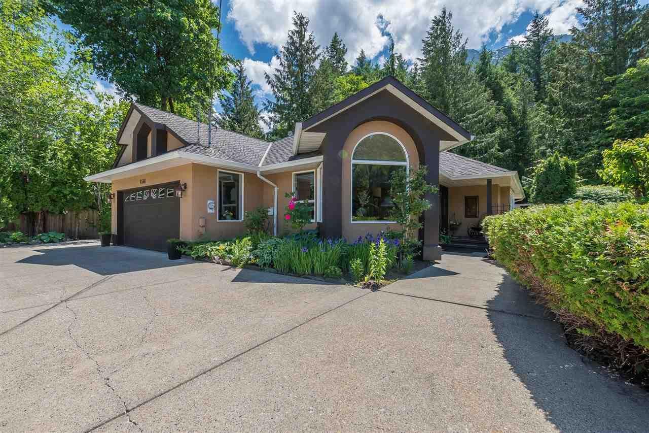 Main Photo: 65641 GARDNER Drive in Hope: Hope Kawkawa Lake House for sale : MLS®# R2377110