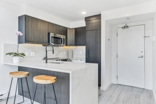 Photo 4: 1804 1238 Richards Street in Vancouver: Yaletown Condo for sale