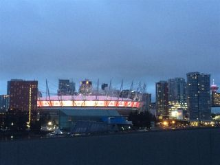 """Photo 12: 405 12 ATHLETES Way in Vancouver: False Creek Condo for sale in """"KAYAK"""" (Vancouver West)  : MLS®# R2236470"""