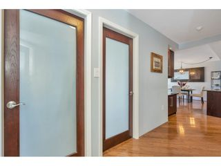 """Photo 21: 807 15111 RUSSELL Avenue: White Rock Condo for sale in """"Pacific Terrace"""" (South Surrey White Rock)  : MLS®# R2481638"""