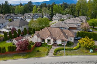 Photo 1: 3003 NECHAKO Crescent in Port Coquitlam: Riverwood House for sale : MLS®# R2466530