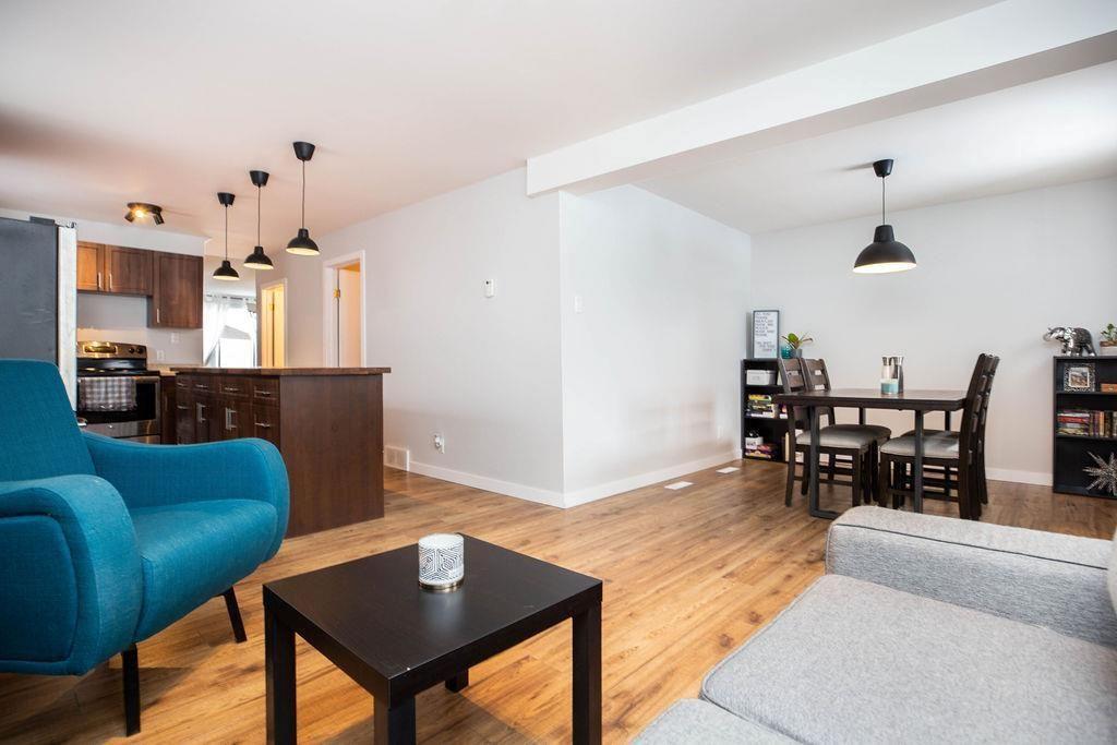 Photo 6: Photos: 284 Parkview Street in Winnipeg: St James Residential for sale (5E)  : MLS®# 202004878