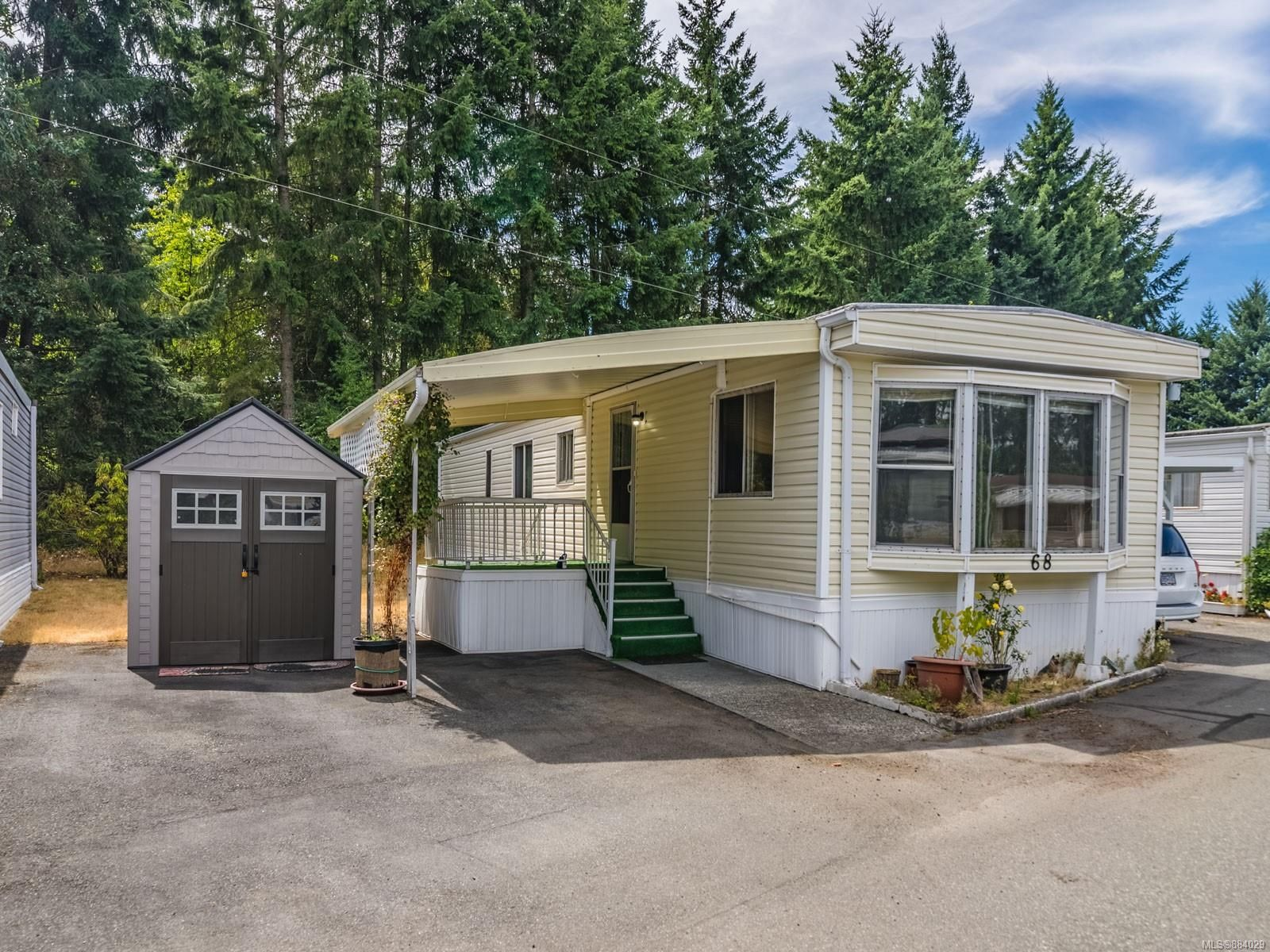 Main Photo: 68 6245 Metral Dr in : Na Pleasant Valley Manufactured Home for sale (Nanaimo)  : MLS®# 884029