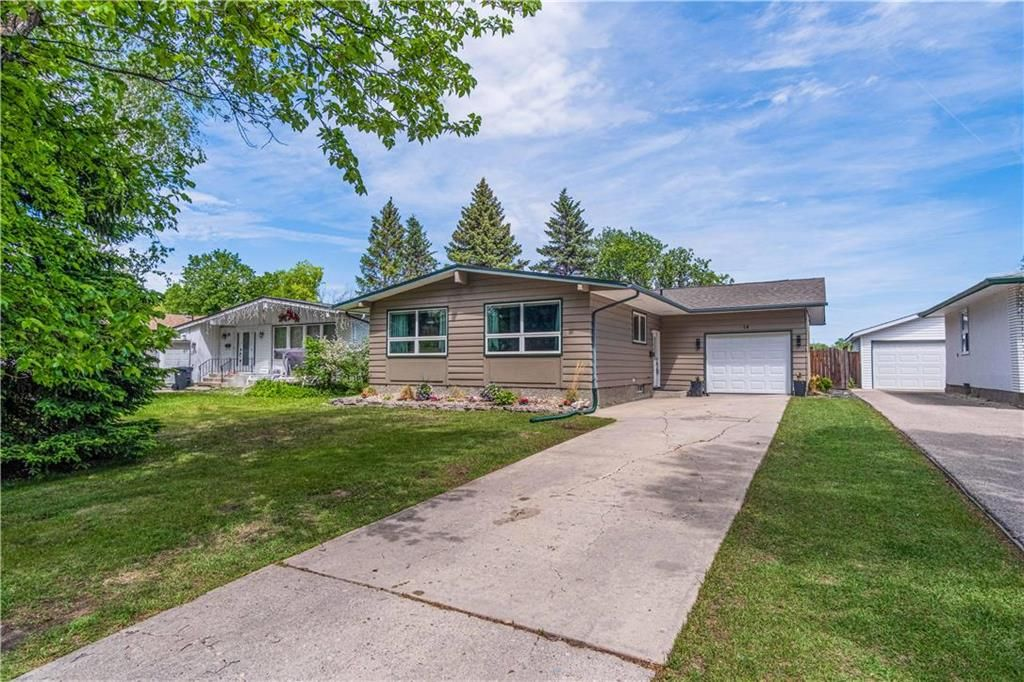 Main Photo: 14 Uplands Crescent in Winnipeg: Heritage Park Residential for sale (5H)  : MLS®# 202114251