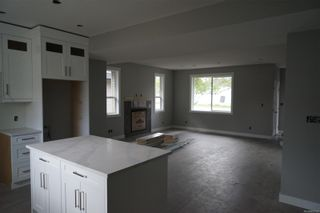 Photo 13: 770 Bruce Ave in : Na South Nanaimo House for sale (Nanaimo)  : MLS®# 869720