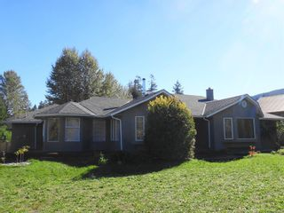 Photo 1: 10038 March Rd in : Du Honeymoon Bay House for sale (Duncan)  : MLS®# 870328