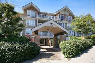 "Photo 12: 103 6420 194 Street in Surrey: Cloverdale BC Condo for sale in ""WATERSTONE"" (Cloverdale)  : MLS®# R2508915"