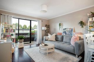 "Photo 2: 308 2025 W 2ND Avenue in Vancouver: Kitsilano Condo for sale in ""SEABREEZE"" (Vancouver West)  : MLS®# R2533460"