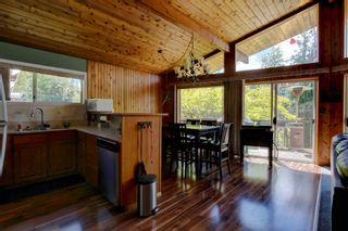 Photo 15: 7633 Squilax Anglemont Road: Anglemont House for sale (North Shuswap)  : MLS®# 10233439