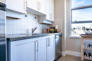 """Photo 13: 613 2655 CRANBERRY Drive in Vancouver: Kitsilano Condo for sale in """"NEW YORKER"""" (Vancouver West)  : MLS®# R2581568"""