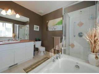 """Photo 7: 6238 167A ST in Surrey: Cloverdale BC House for sale in """"CLOVER RIDGE"""" (Cloverdale)  : MLS®# F1300016"""