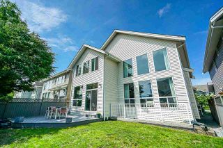 """Photo 19: 8328 209A Street in Langley: Willoughby Heights House for sale in """"Lakeside at Yorkson"""" : MLS®# R2408495"""