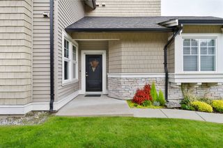 """Photo 2: 40 19452 FRASER Way in Pitt Meadows: South Meadows Townhouse for sale in """"SHORELINE"""" : MLS®# R2511047"""