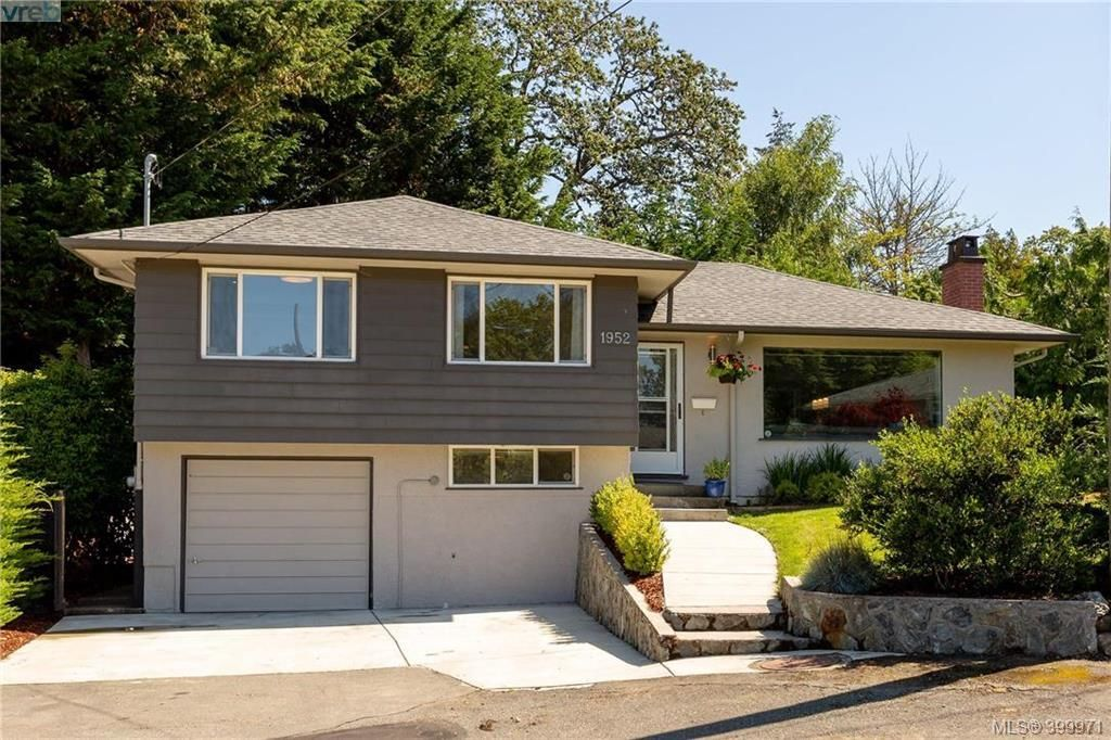 Main Photo: 1952 Hawes Rd in VICTORIA: Vi Fairfield East House for sale (Victoria)  : MLS®# 798023