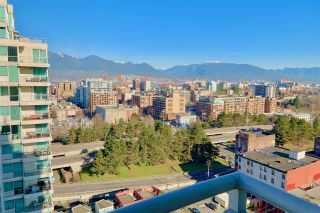 """Photo 16: 1901 120 MILROSS Avenue in Vancouver: Mount Pleasant VE Condo for sale in """"THE BRIGHTON"""" (Vancouver East)  : MLS®# R2341532"""