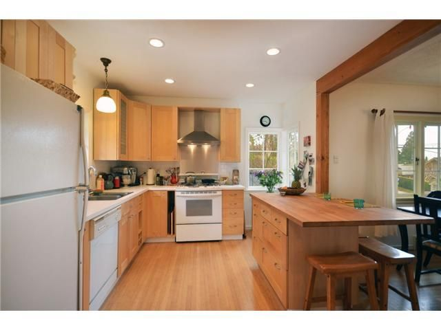 Photo 5: Photos: Mathers Avenue in West Vancouver: Dundarave House for rent
