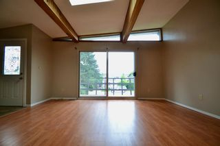 Photo 8: 431 21 Avenue NE in Calgary: Winston Heights/Mountview Semi Detached for sale : MLS®# A1135304