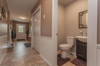 Photo 3: 299 OAKENWALD Crescent in Mitchell: R16 Residential for sale : MLS®# 202117711