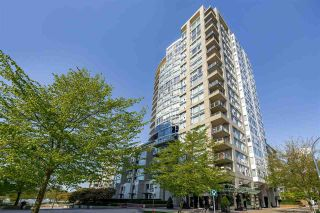 Photo 1: 507 1383 MARINASIDE Crescent in Vancouver: Yaletown Condo for sale (Vancouver West)  : MLS®# R2365345