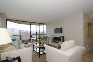 """Photo 5: 313 1490 PENNYFARTHING Drive in Vancouver: False Creek Condo for sale in """"HARBOUR COVE"""" (Vancouver West)  : MLS®# V938539"""