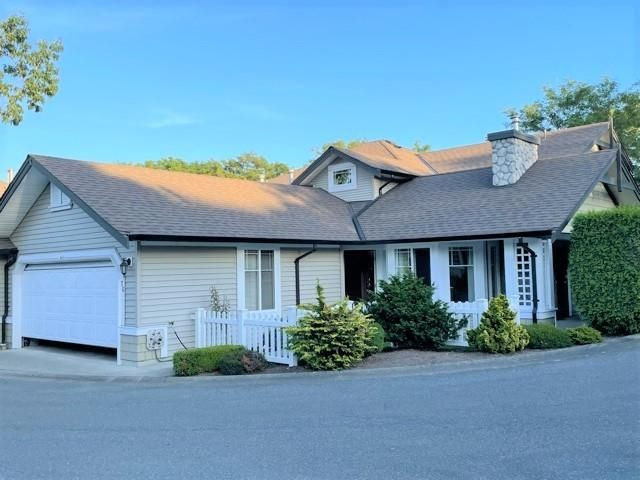 """Main Photo: 76 6488 168 Street in Surrey: Cloverdale BC Townhouse for sale in """"Turnberry"""" (Cloverdale)  : MLS®# R2610763"""