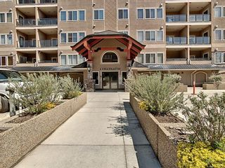 Photo 1: 218 30 Discovery Ridge Close SW in Calgary: Discovery Ridge Apartment for sale : MLS®# A1126368