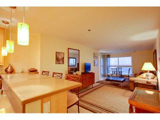 Photo 3: PACIFIC BEACH Condo for sale : 2 bedrooms : 4667 Ocean #408